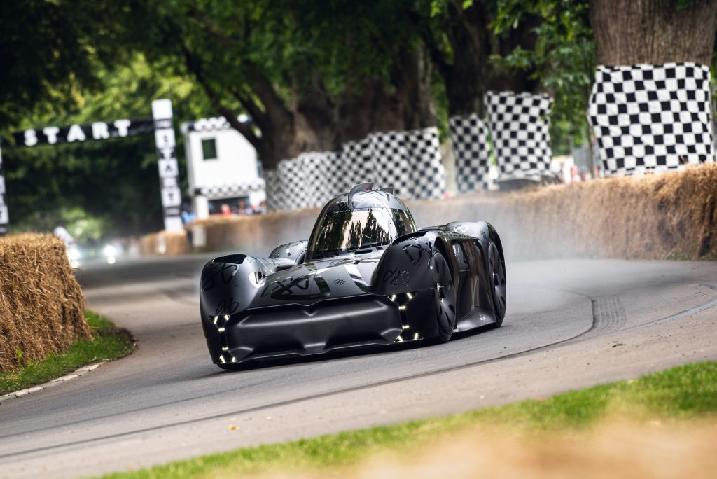 The McMurtry Spéirling speeds off the start line and into the first corner of the Goodwood Festival of Speed Hillclimb